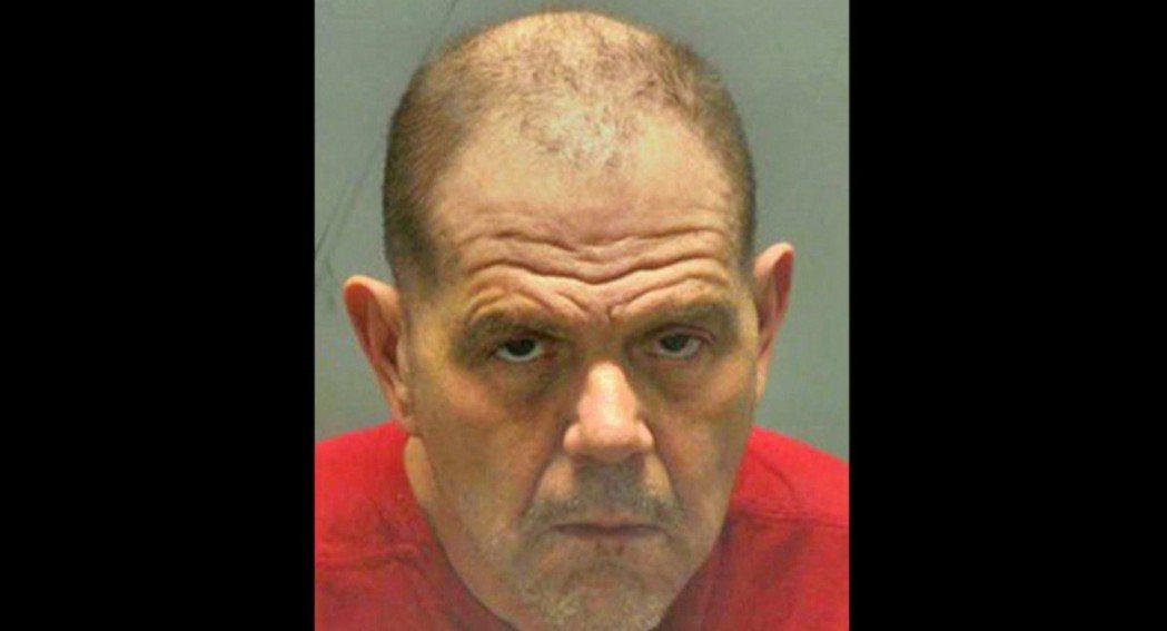 美國密蘇里州一名男子因謀殺和違反假釋坐牢近40年,出獄後他為了不想變遊民,懇請警...