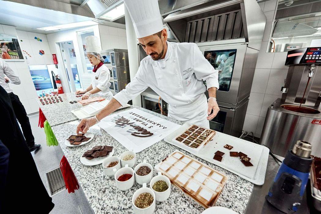 瑞士廚藝學院有完善的理論和實務課程,保障學生薪資和國際就業機會  林肯企管/提供