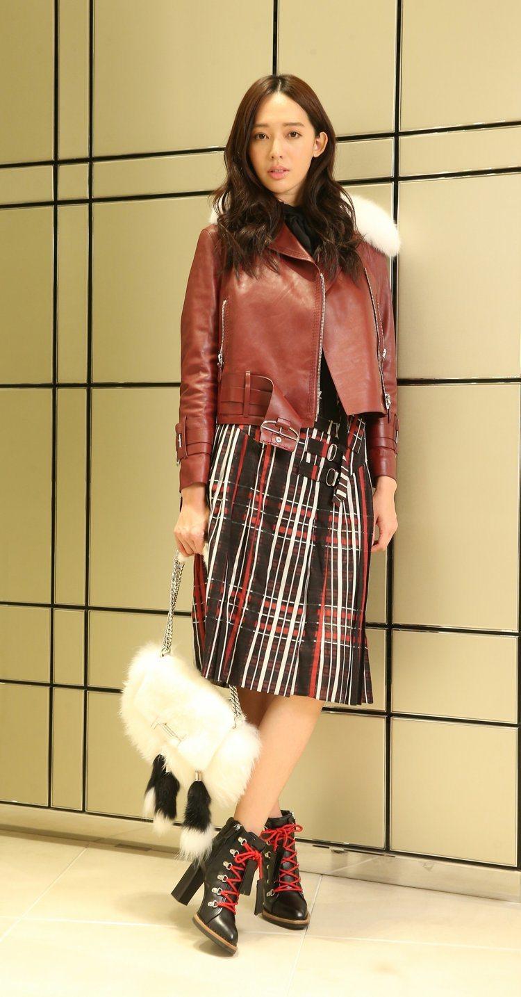 時尚精品經常邀請王心恬演繹新品。圖/記者陳立凱攝影
