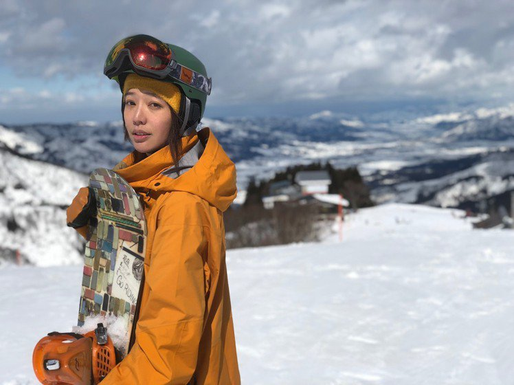 王心恬很愛滑雪。圖/擷自instagram
