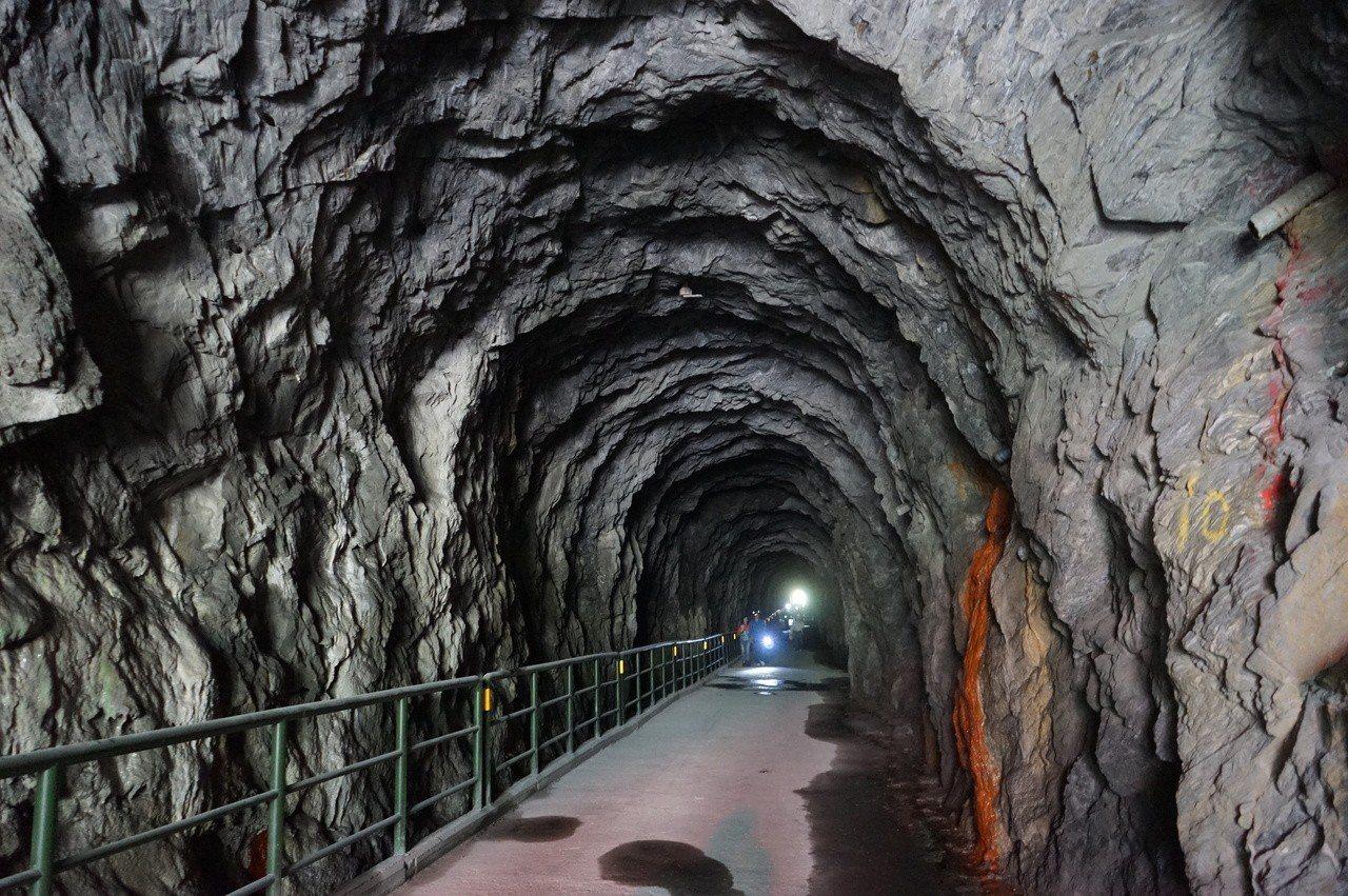 太魯閣白楊步道入口是一段長隧道。記者王燕華/攝影