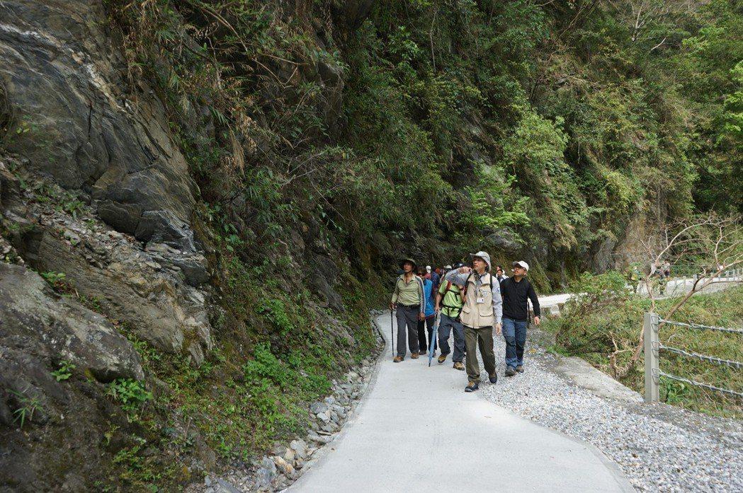 太魯閣國家公園白楊步道景色優美,平緩好走,很受國內外遊客喜愛。記者王燕華/攝影太