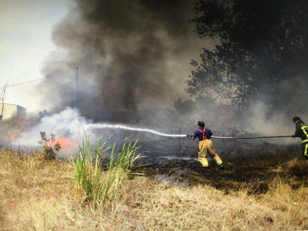現場成功補給消防水源。記者劉星君/翻攝