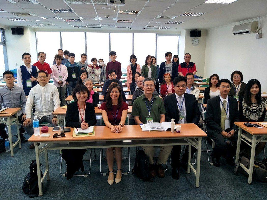 「中正大學東協與南亞研究中心」引進馬來西亞清真認證機制,並組成認證顧問訓練團隊,...