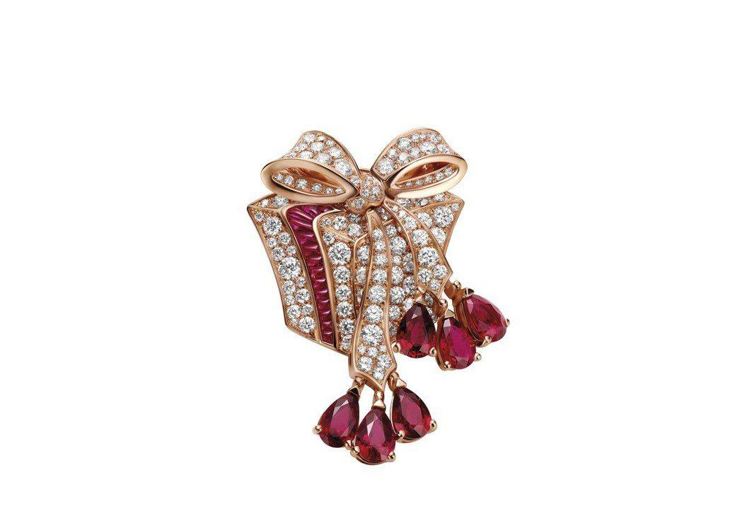 BVLGARI FESTA童年慶典系列The Gift 禮物造型頂級紅寶與鑽石胸...
