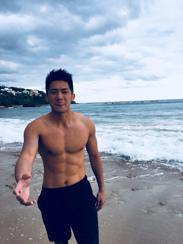 林冠宇PO出「男友視角」裸肌照。圖/賢叔輯娛樂提供