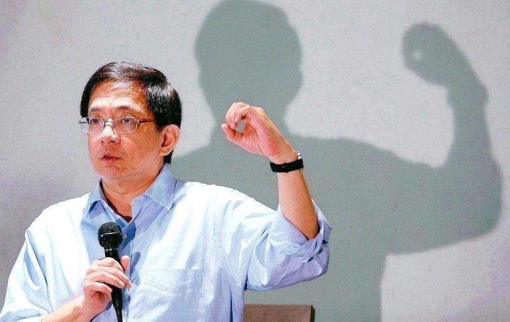 管中閔擔任台大校長僵局 ,被形容為「九道金牌卡管」。 圖/聯合報系資料照片