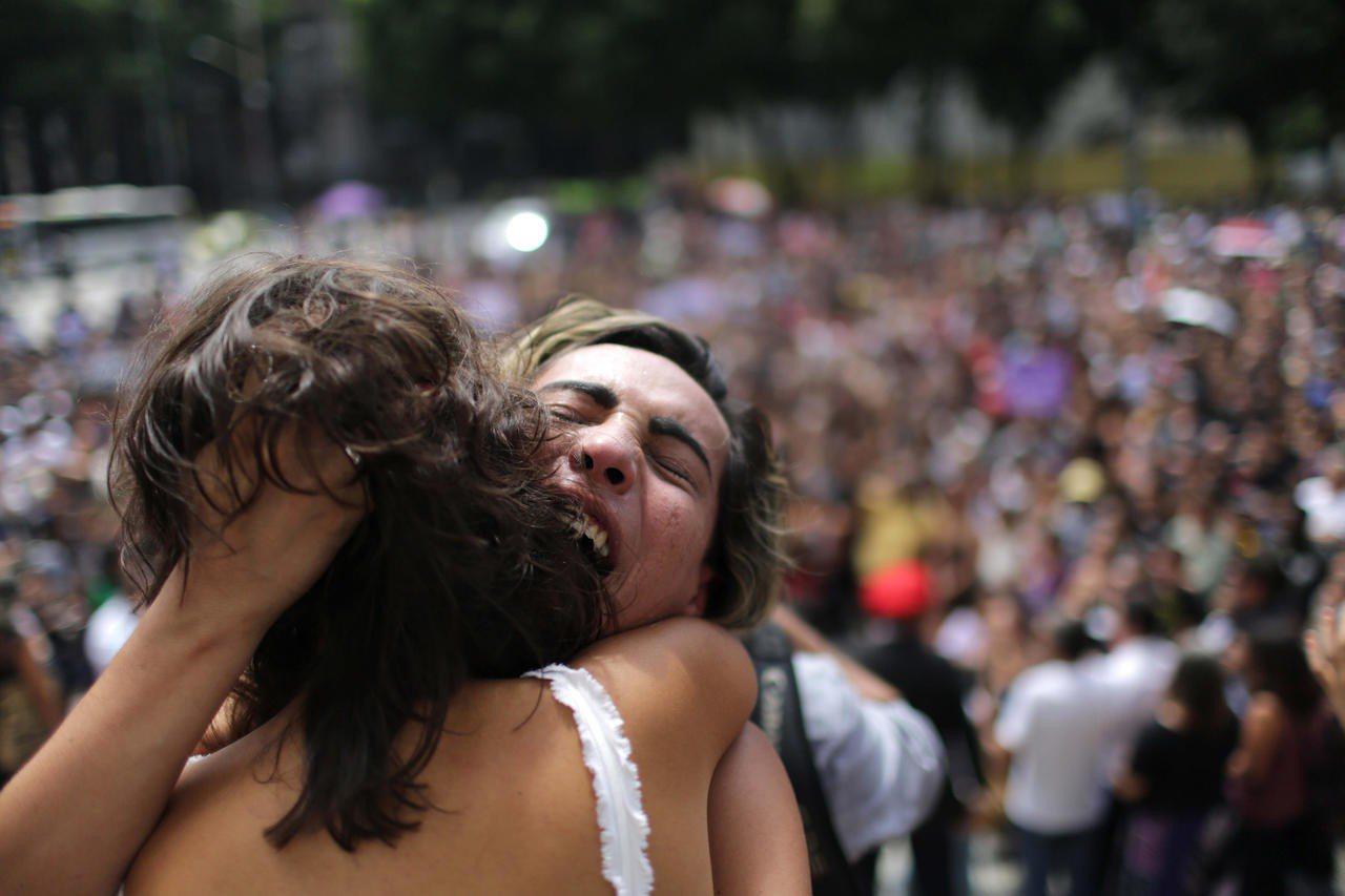 巴西里約熱內盧市黑人女市議員瑪麗耶爾.佛朗哥遭暗殺身亡,群眾哀悼。歐新社