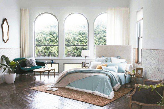 新材質鮫魚油纖維的素色寢飾「海洋之舞冷杉綠」。 圖/BBL Premium提供