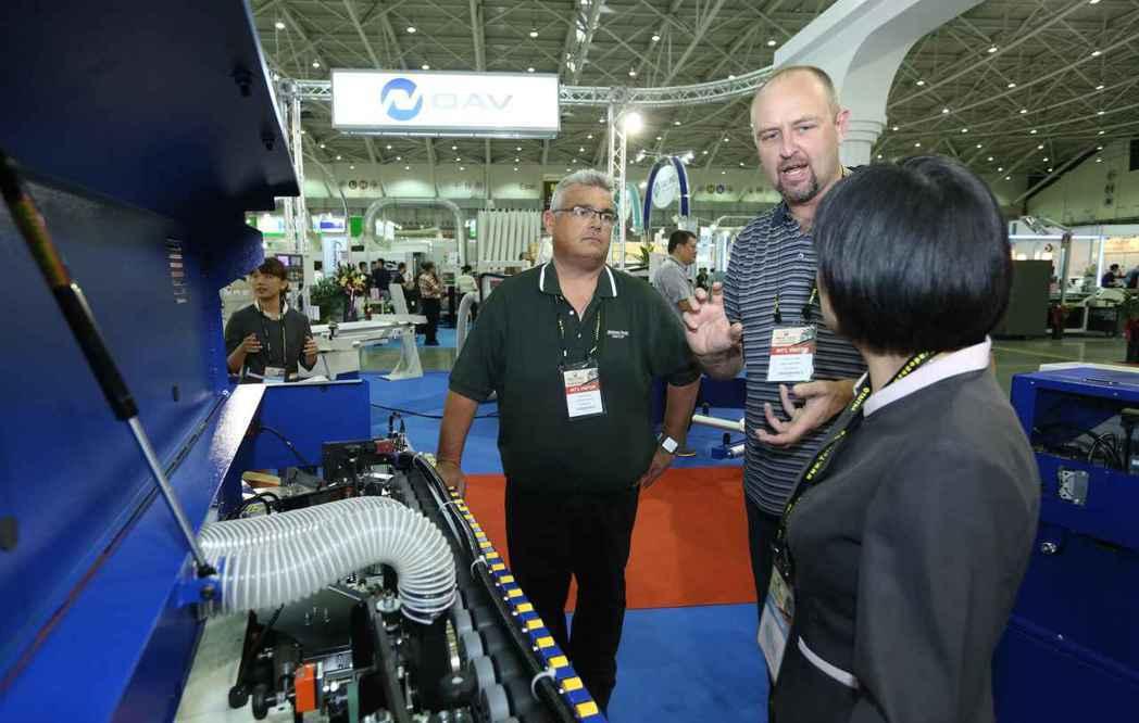 2015年台灣國際木工機械展(Wood Taiwan)吸引國際買主來台參觀採購。...
