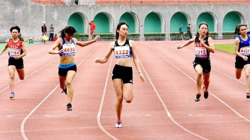目前正在板橋第一運動場舉行的新北市全國青年盃田徑錦標賽,就有部分學童組(小學)參賽者選擇退賽。 聯合報系資料照