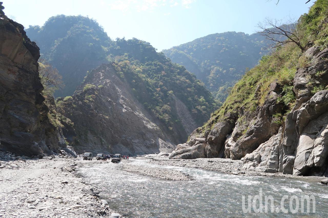 大武山區北隘寮溪的壯闊風景。記者翁禎霞/攝影