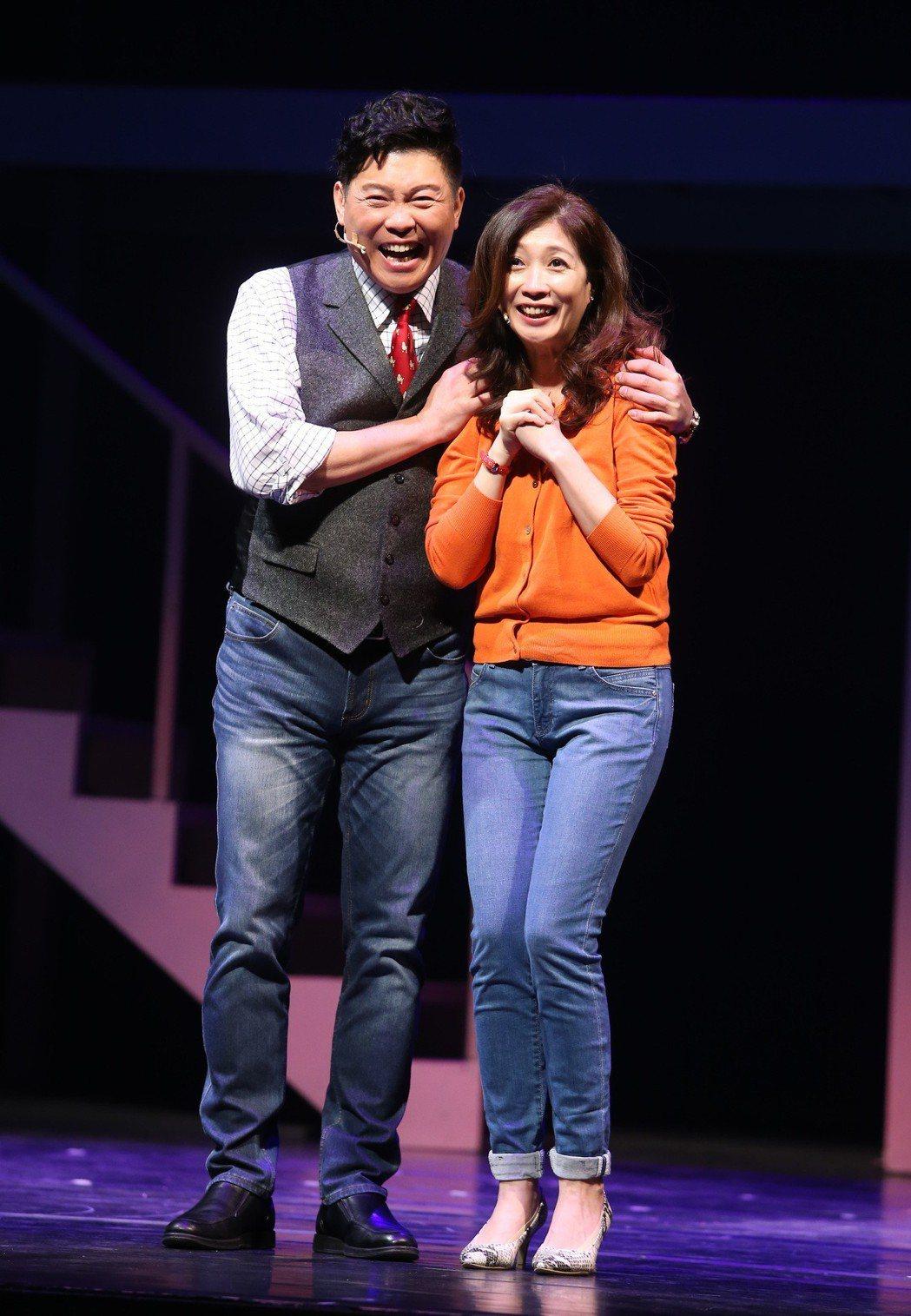 舞台劇「愛呀,我的媽」進行總彩排,曾國城、黃嘉千參與演出,二度登上國家戲劇院。記...