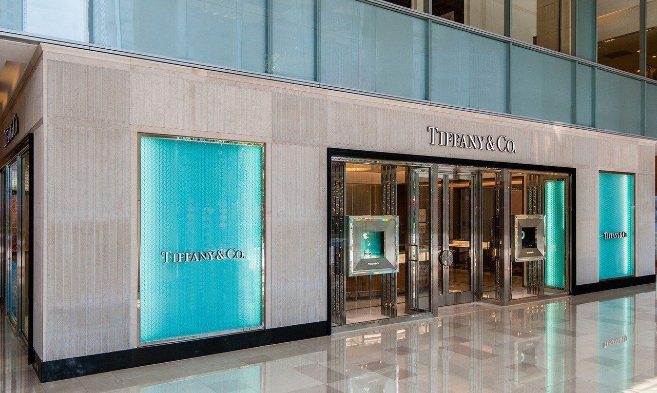 Tiffany 全新台中大遠百專門店璀燦開幕,獻上春季高級珠寶展以及許多獨家限量...
