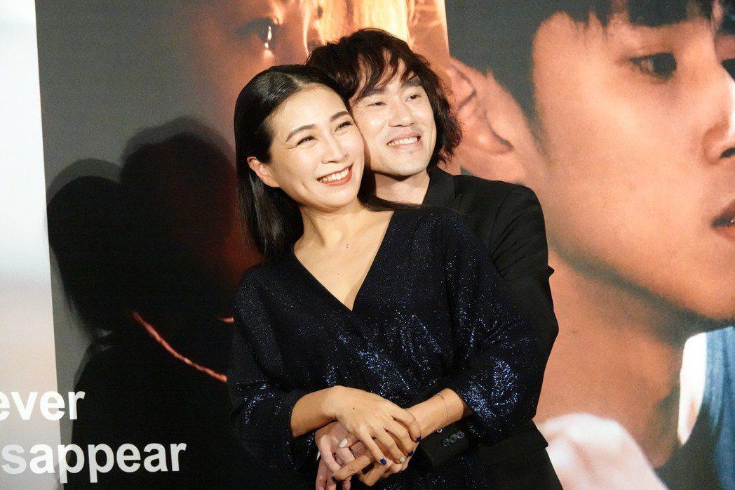 方文琳和導演李鼎二度合作展現好交情。圖/客台提供