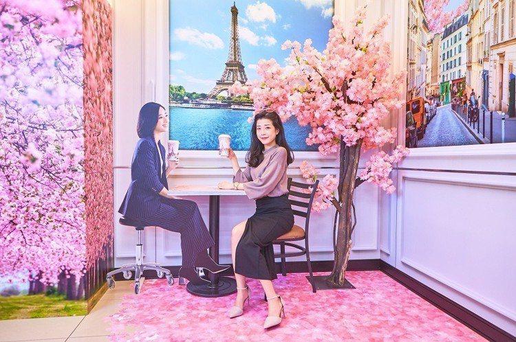 巴黎櫻花季主題店—台場門市。圖/7-ELEVEN提供