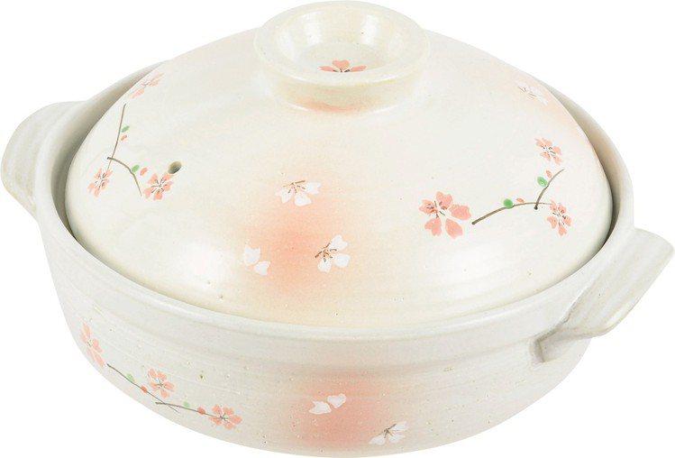 新櫻花土鍋7號,售價690元,特價450元。圖/台隆手創館提供