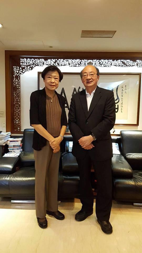民進黨立院黨團總召柯建銘(右)與司法院前秘書長林錦芳。圖/取自柯建銘臉書