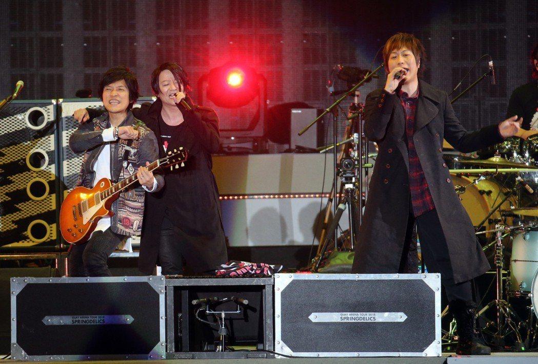 五月天擔任GLAY演唱會嘉賓。記者許正宏/攝影