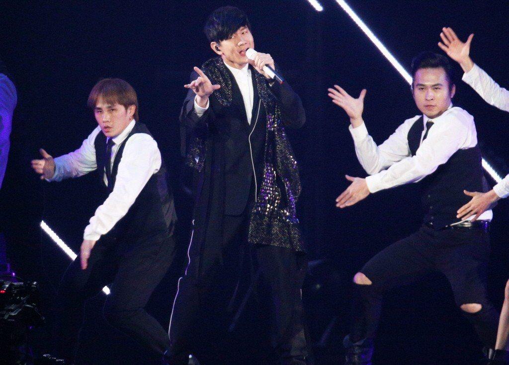 林俊傑抱病走完世界巡迴演唱會。圖為林俊傑1月20日登上KKBOX舞台表演。 聯合