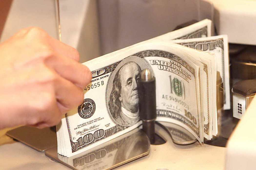 近期台幣走勢偏強,此時可適度買進外幣,適度布局。 圖/聯合報系資料照片