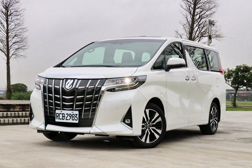 Toyota Alphard是大老闆相當喜愛的車款。 記者陳威任/攝影