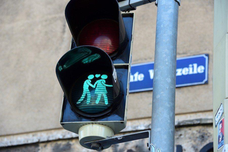 浪漫的行人紅綠燈。 攝影 / 彭奕翔