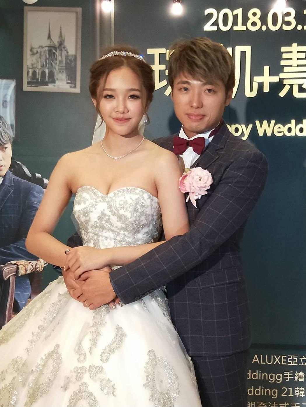 「小賀」導演高琮凱與女星賴慧如補辦婚宴。圖/金騰提供