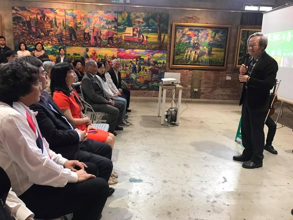 陳錦煌提到江老師的畫作令人感動。圖/新港文教基金會提供
