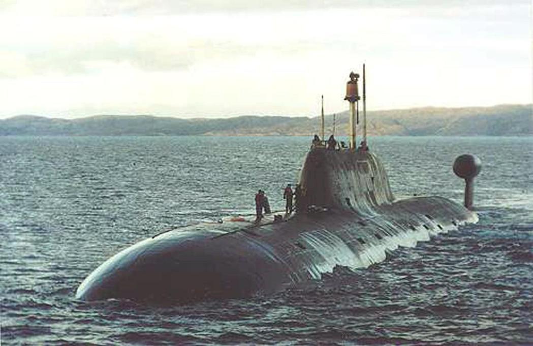 俄羅斯「阿庫拉級」Shchuka-B核潛艦指揮官表示,俄國一艘核潛艦開到美東附近...