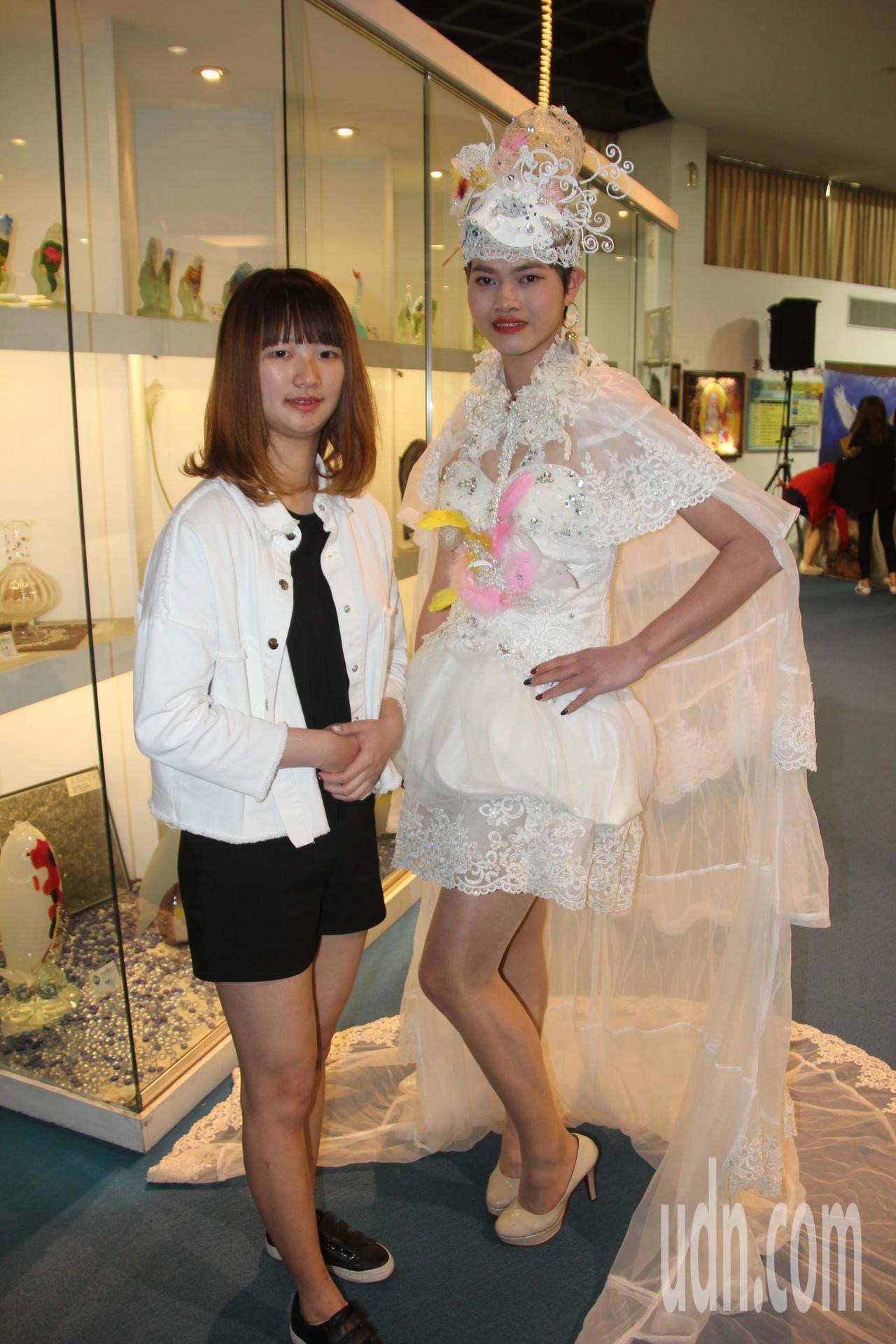 二手婚紗改造需要巧思,也很費工,今天還有學生設計師請男模特兒反串,展現不同的創意...