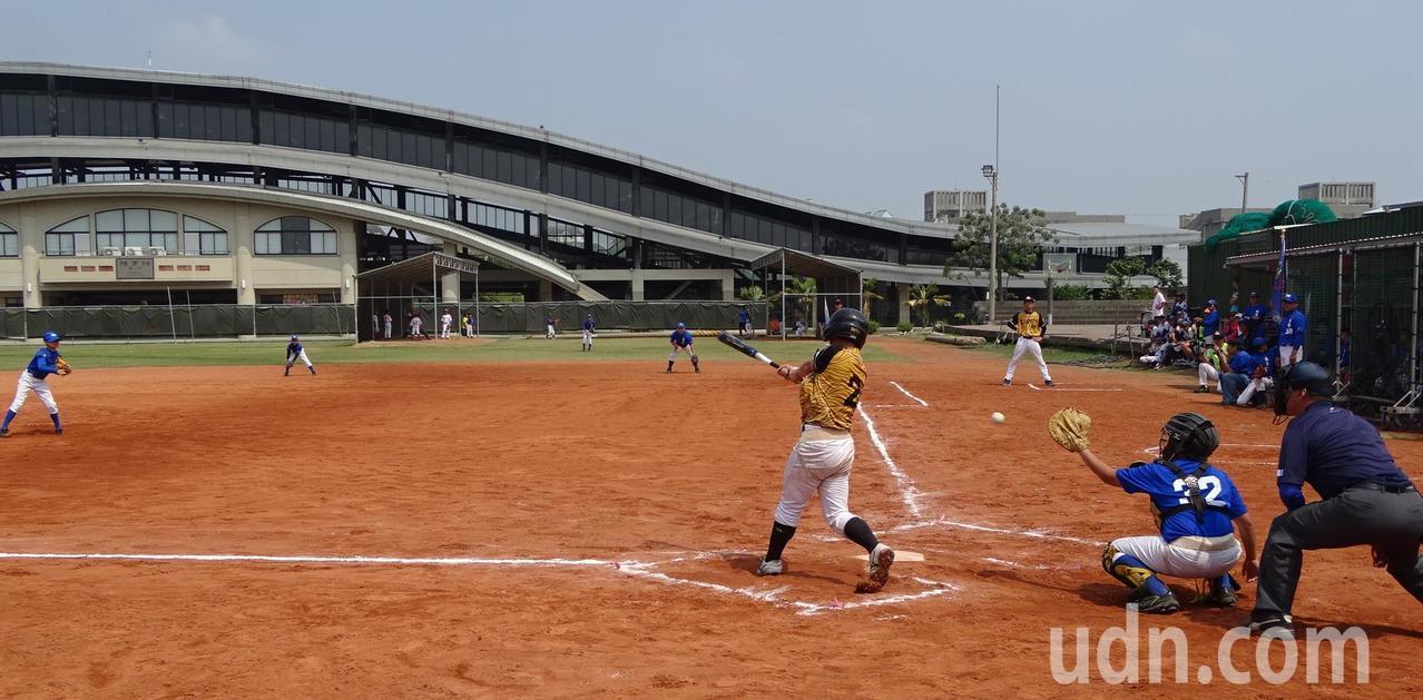 台南市柚城棒球發展協會承辦柚香盃社區棒球邀請賽闖出口碑,許多中北部球隊還搶著「預...