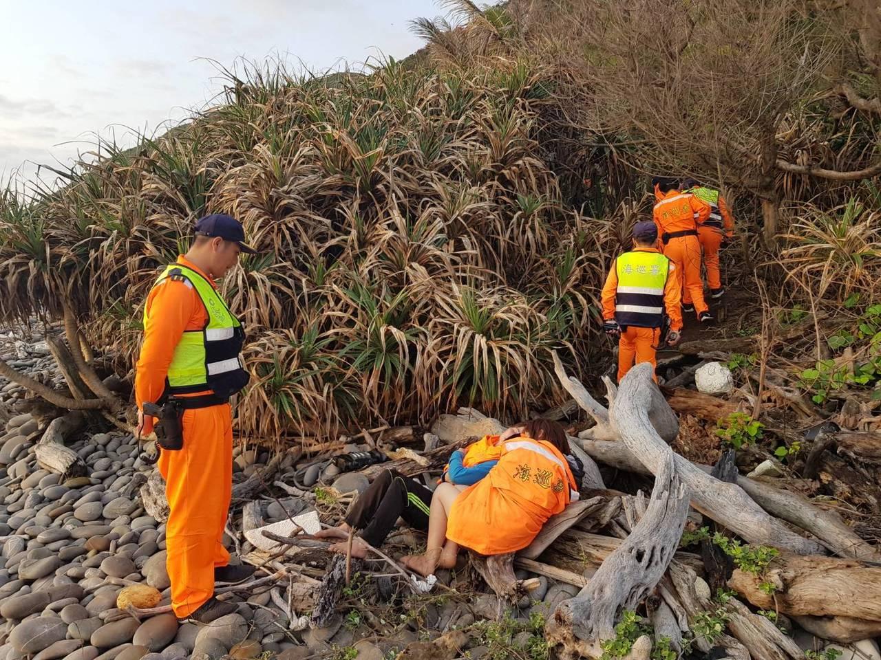 越南偷渡客台東南田搶灘2死2失蹤。圖/岸巡署東巡局提供
