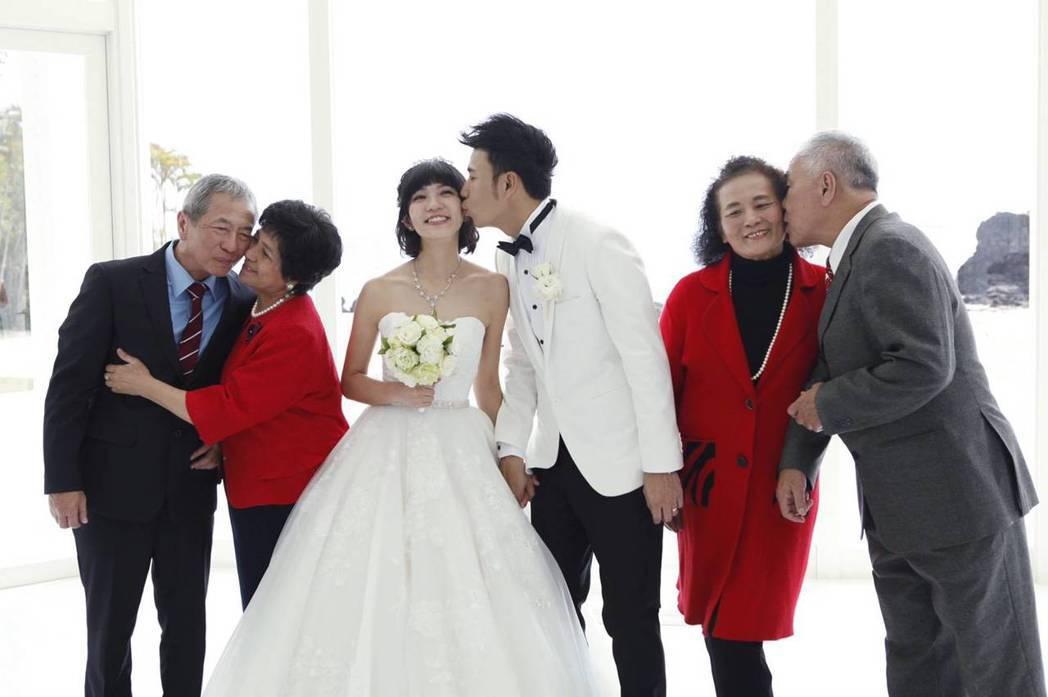「香草戀」沖繩婚禮。圖/奧米加提供