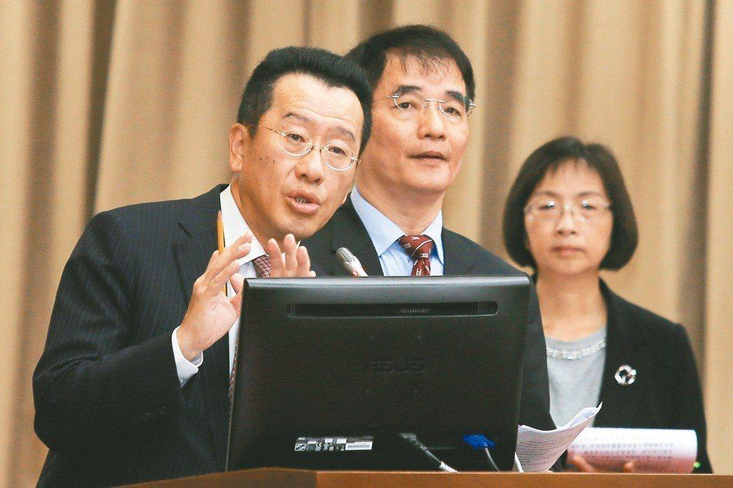 近來大家關注中國資本市場IPO政策調整,是否造成磁吸效應,金管會主委顧立雄表示,...