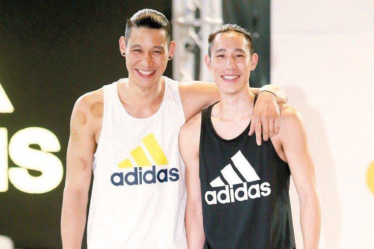 林書豪(左)與林書緯去年在台灣一起辦活動。 報系資料照