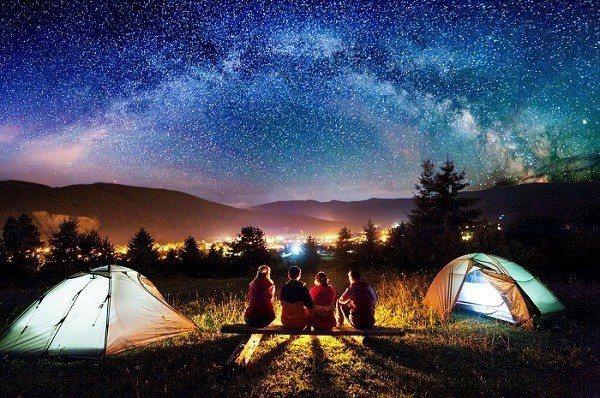 露營在全球各地掀起熱潮,以更親近自然的方式達到放鬆目的。(圖/Shutterst...