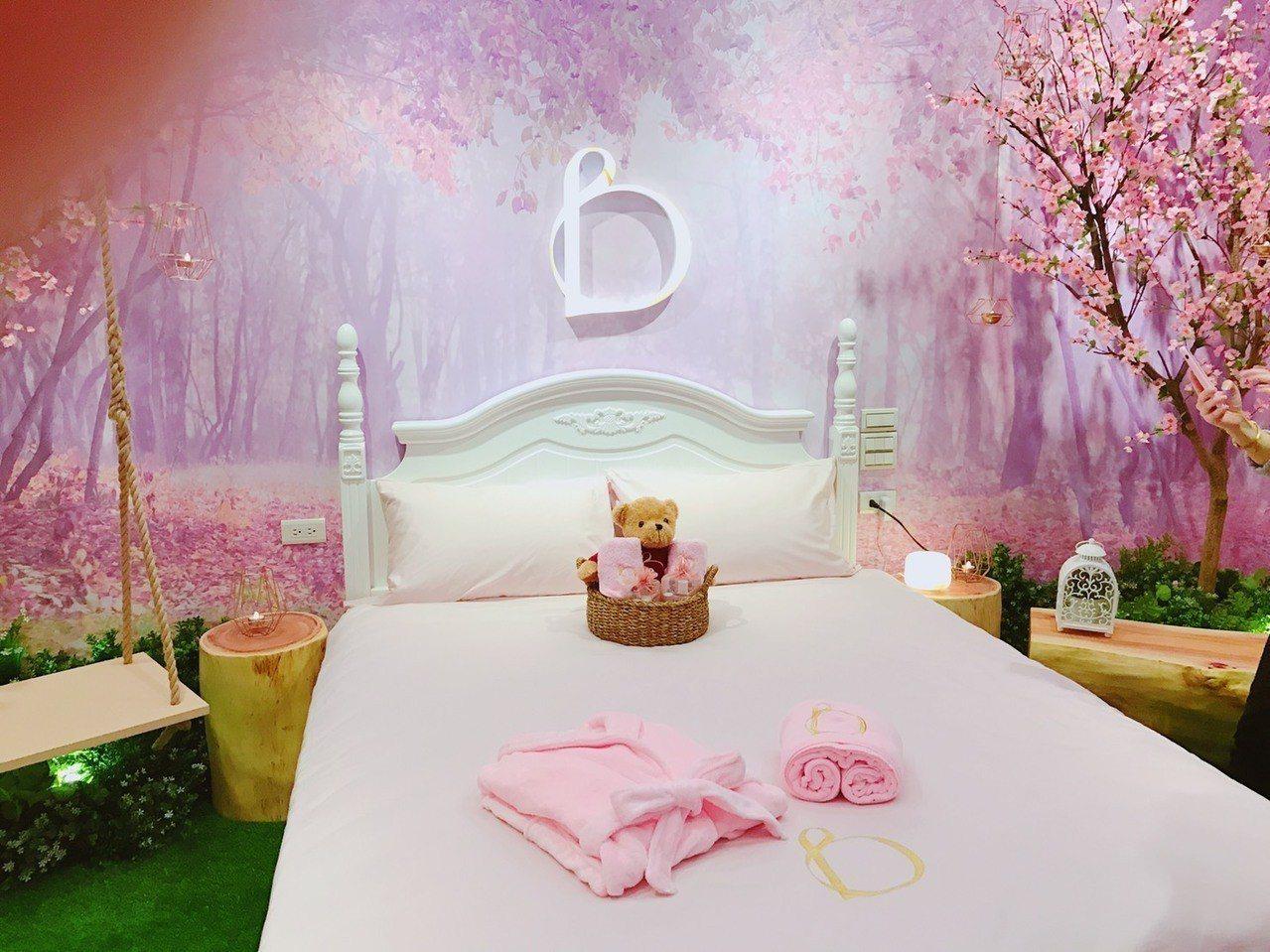 資生堂碧麗妃推出創意行銷,邀閨蜜檔入住紫色夢幻系「暖心房」。 記者葉卉軒/攝影