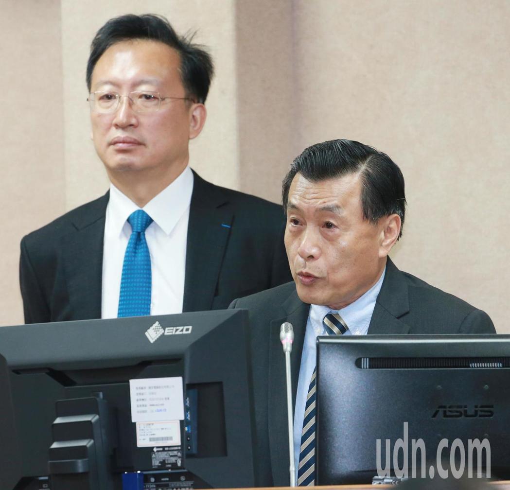 台灣有哪些中共扶植的買辦團體?國家安全局長彭勝竹(右)上午面對立委質詢時,第一時...