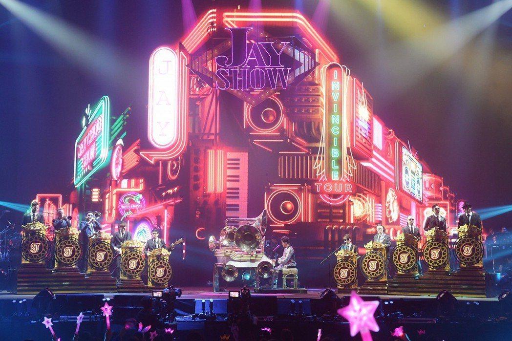 周杰倫在香港展開連10場「地表最強2」世界巡演,19日晚上開唱第5場。圖/摘自網