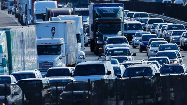 汽油稅金上漲也是令加州人出走他州的原因。 美聯社