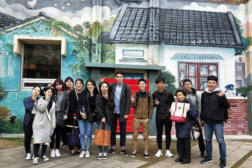 日本山陽學園大學師生前往中華大學短期交流,一系列特色體驗學習,留下許多難忘回憶。...