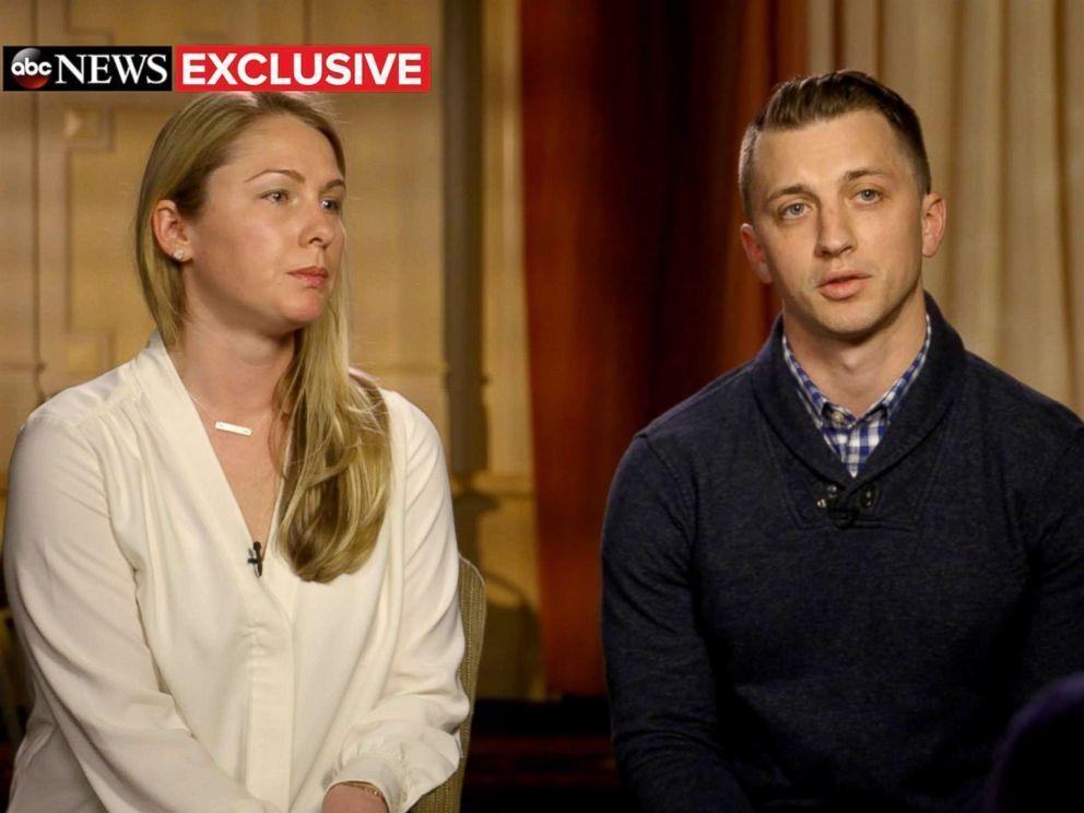 2015年在委利賀遭綁架後獲釋的赫斯金(左)與未婚夫昆恩(右)接受「早安美國」專...
