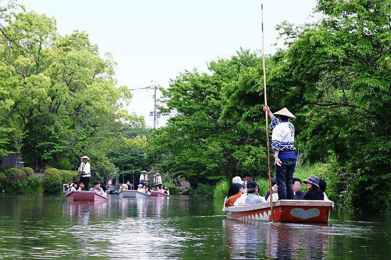 柳川結合「水落」的傳統,成為詩人北原白秋描述孩子們最期待的活動,也是現在觀光客拍...