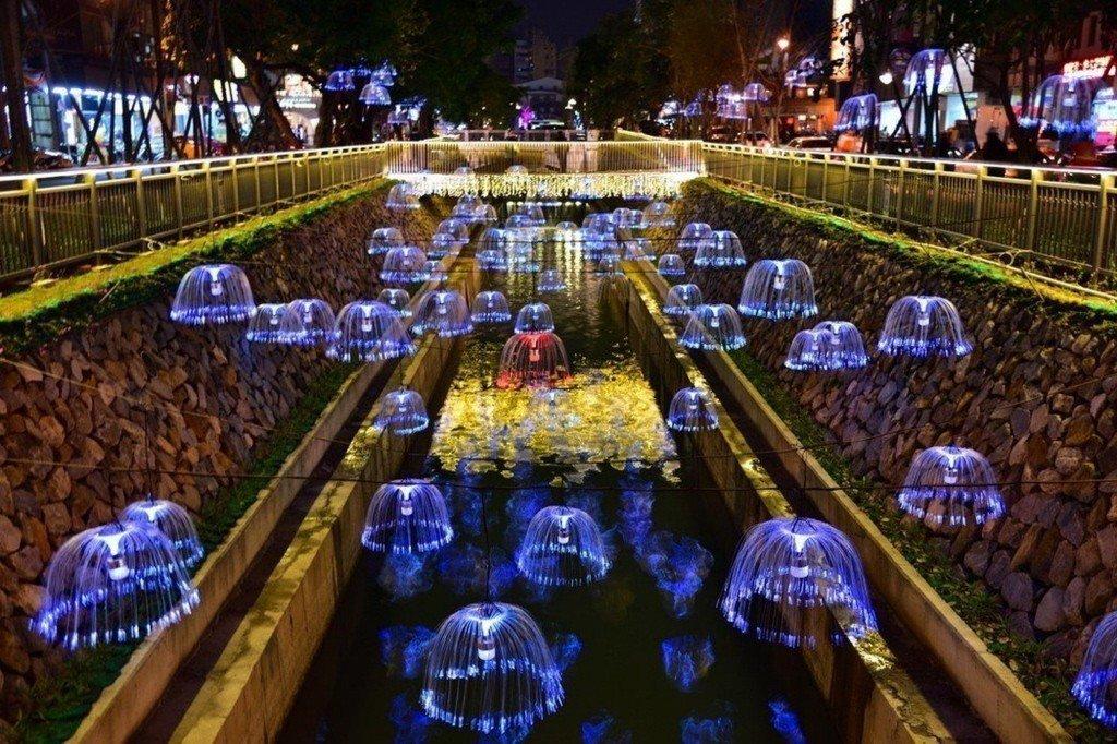 真正的水環境不是一窩蜂的親水步道、自行車道,更不是水母燈、塑膠花、假天鵝,而是應...