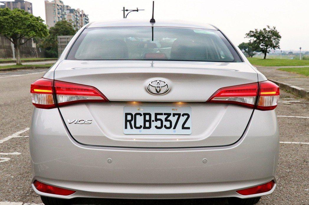 車尾在全新尾燈導入下,營造更強烈的辨識度。 記者陳威任/攝影