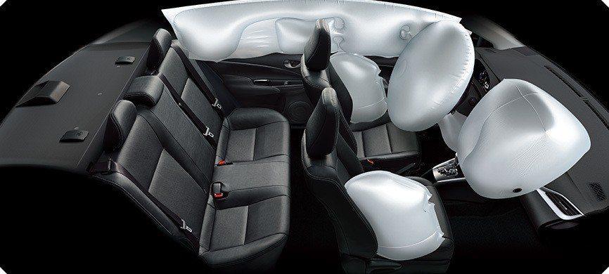 豪華車型一舉增加至七具氣囊。 圖/TOYOTA提供