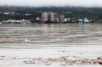 臺灣的水資源污染,限塑才是解方?