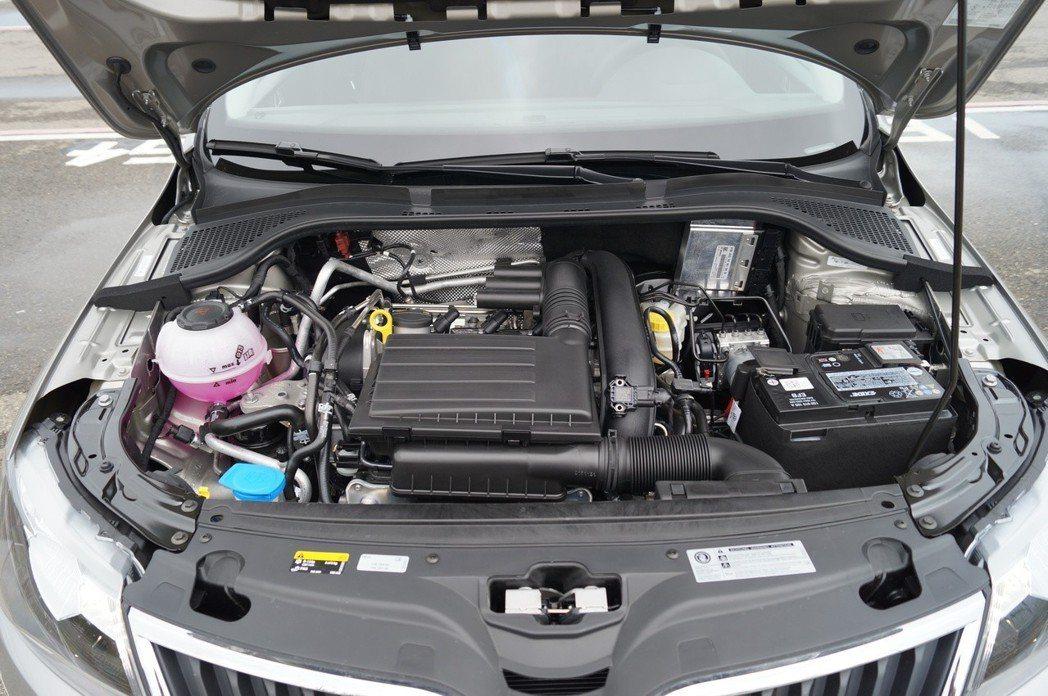 1.4T的引擎日常駕駛動力飽滿 唯獨動力湧出時間較晚。 記者趙駿宏/攝影