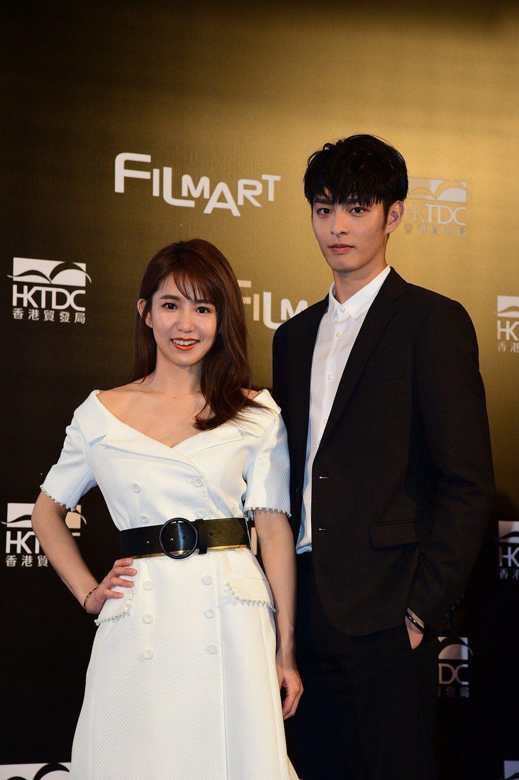 郭書瑤(左)與曹佑寧合作「人際關係事務所」。圖/歐銻銻娛樂提供